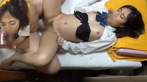 (マッサージ痴漢・睡眠姦)乳首がすぐにコリコリになるビンカンビーチクJK 専用オナホケースにされ膣内射精【Pcolleレビュー】