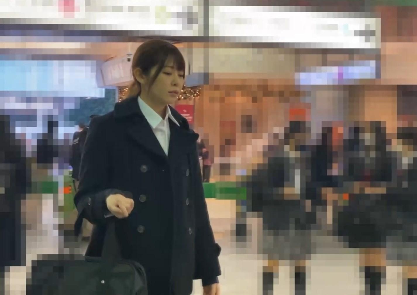 【電射男006】モデル並みの美少女!スレンダーな綺麗なふとももにぶっかけ!こすり付けられたザーメンがヤバい…画像つき詳細レビュー